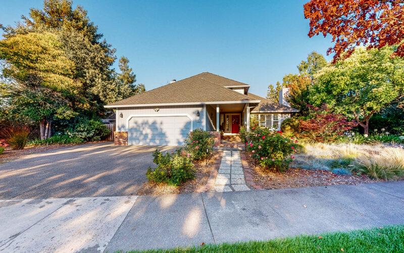 420 Countryside Circle, Santa Rosa