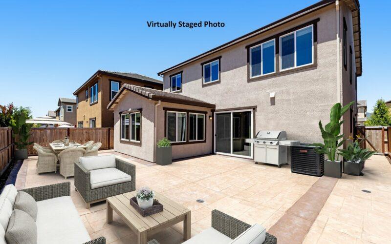 082_1533_keats_place_-_backyard_outdoor_furnishings_-_labeled